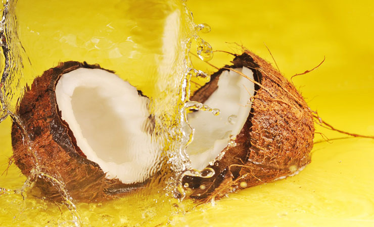 hydrate-your-hair-with-coconut-oil