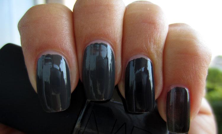 charcoal-grey-nail-polish