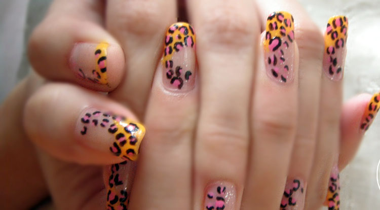 animal-print-nail-design