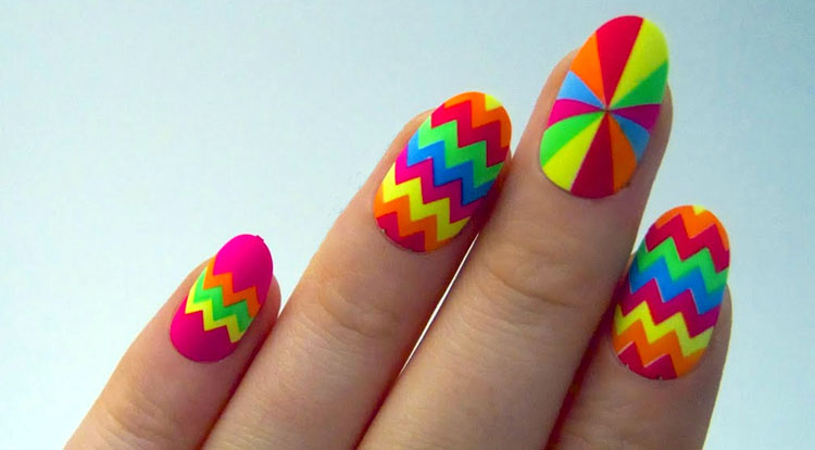 zigzag-nail-design