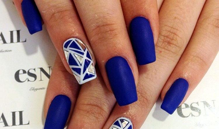 Diamond Blue Nail Designs