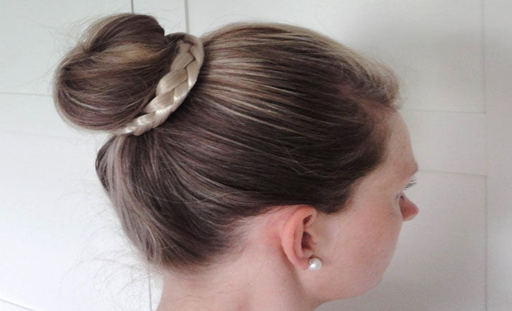 plaited-bun
