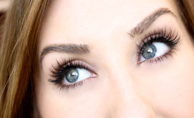 choose-right-kind-of-fake-lashes-for-hooded-eyes