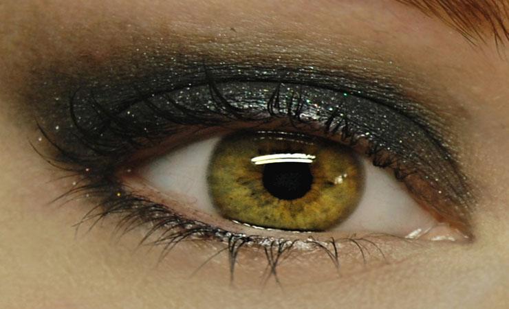 glitter-black-eyes