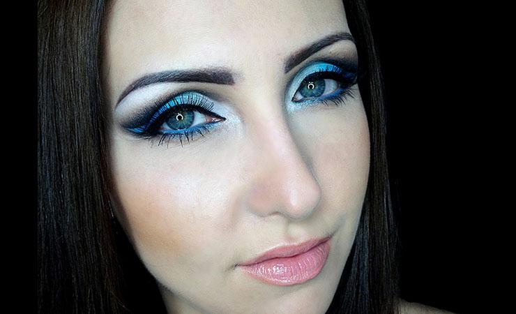 gradient-blue-cut-crease-eye-makeup