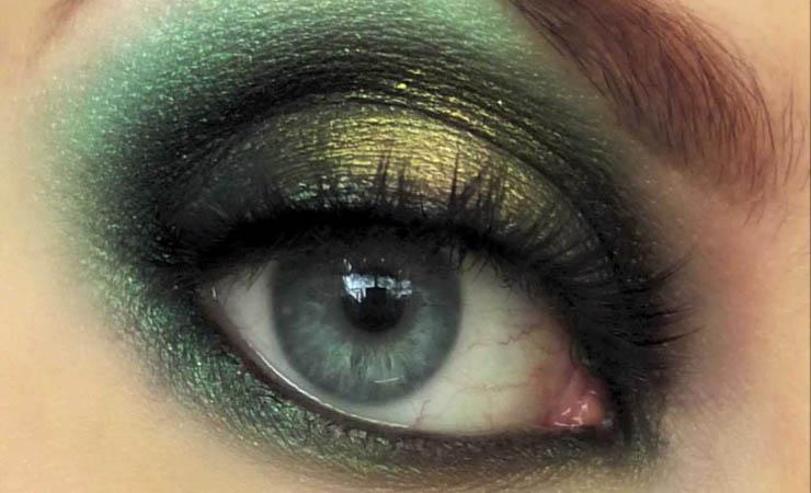 green-smokey-eyes