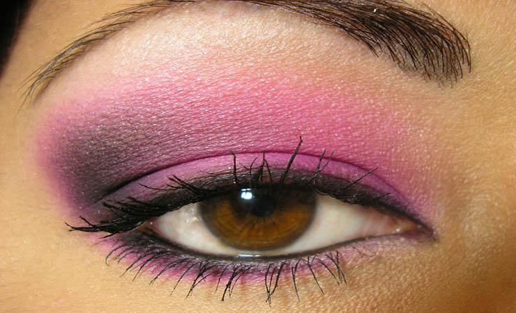 hot-pink-smokey-eyes