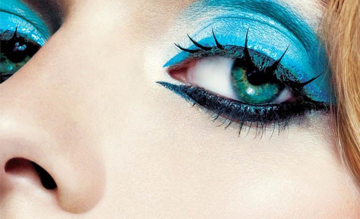 hot-sparkle-blue-makeup
