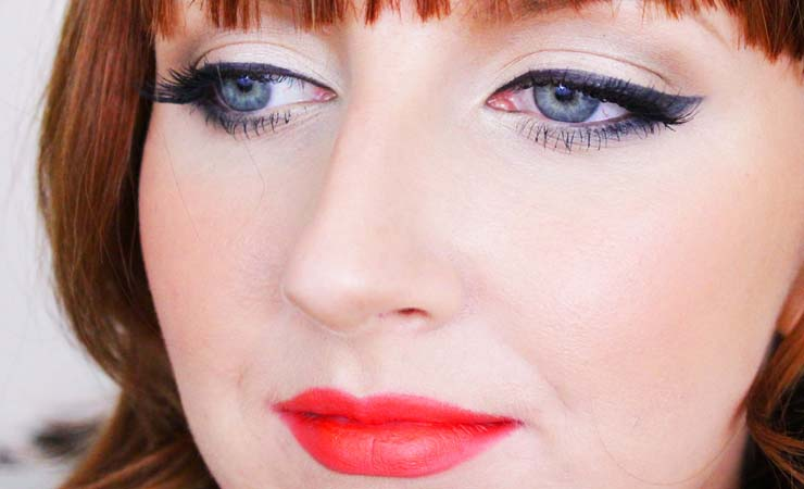 pin-up-makeup-for-hooded-eyes