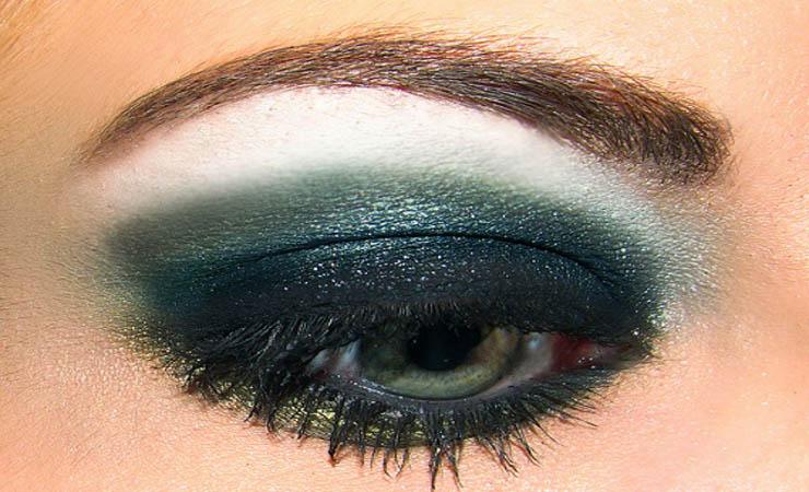 shimmery-smokey-eye-makeup