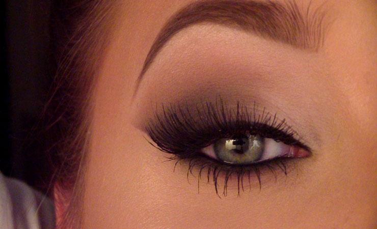 smokey-cat-eye-makeup