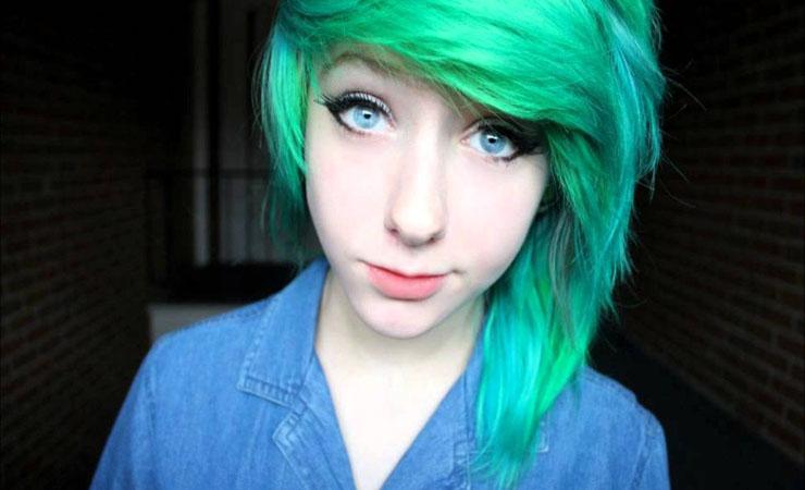 green-short-scene-hair