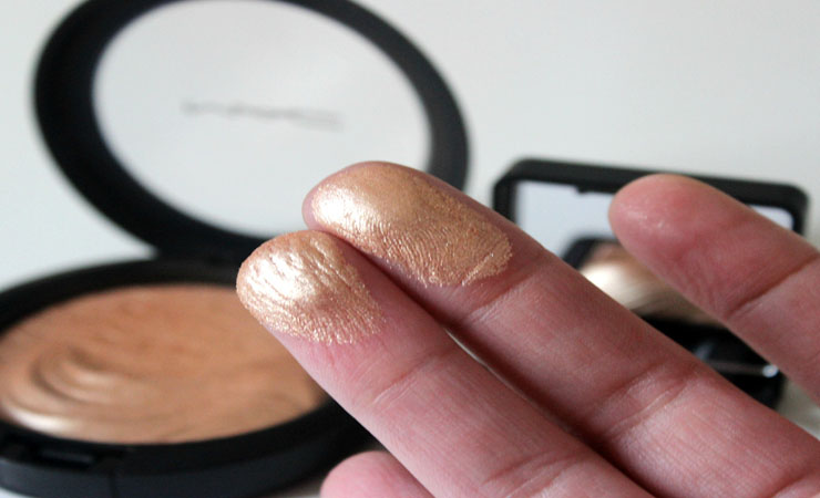 Highlighter-for-eye-makeup