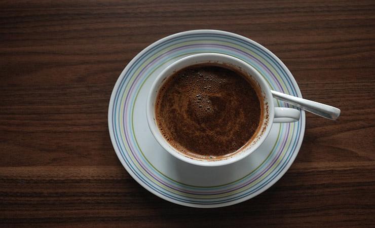 homemade-hair-dye-with-coffee