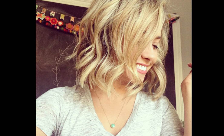 Beachy-Waves-Hairstyle-for-Short-Hair