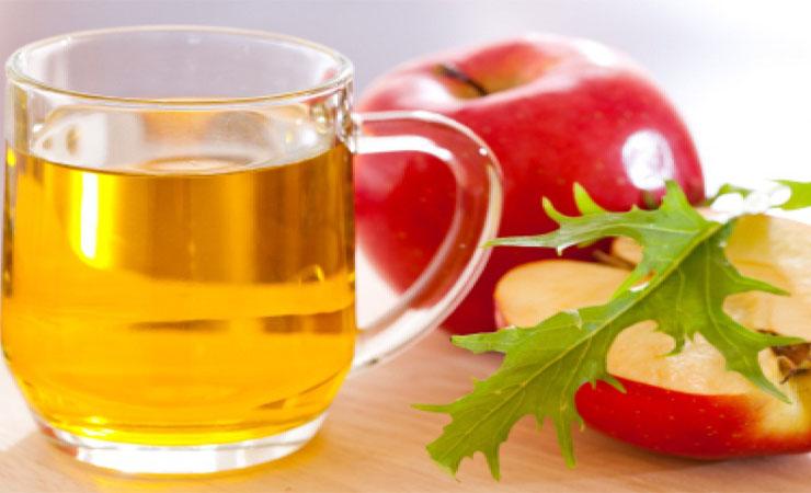 A-Natural-Cleanser-Apple-Cider-Vinegar