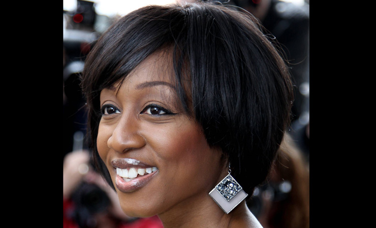 Sparkle-Medium-Bob-Hairstyle-for-Black-Women