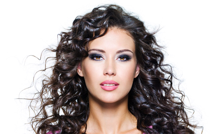 Curly Hairstyle for Round Face