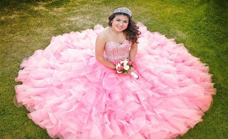 Charming Sweetheart Neckline Floral Appliqué Lace-Up Quinceanera Dress