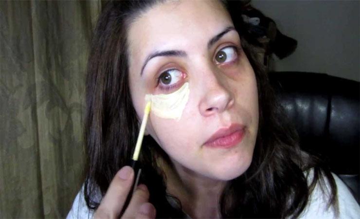 Put Primer on Under Eye Circles