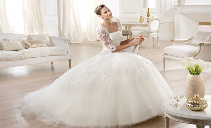 Strapless Tulle Plus Size Wedding Dress with Classy Chapel Train