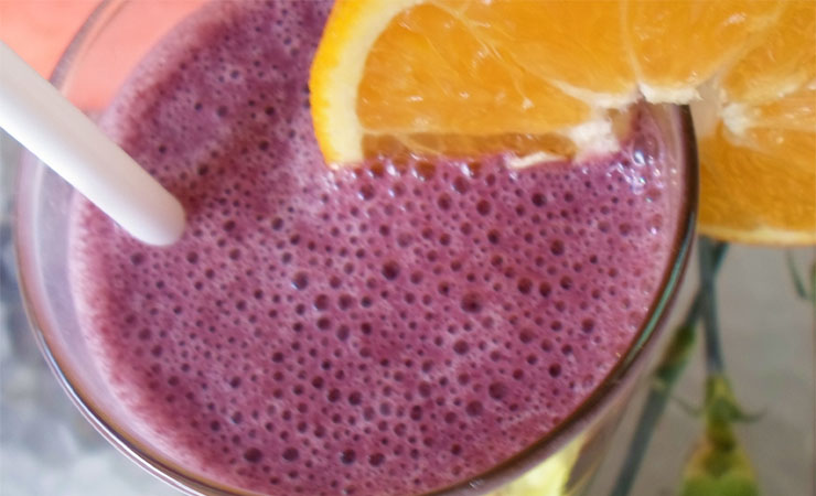 Blueberry and Green Tea Smoothie