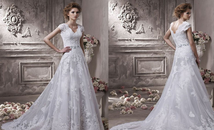 Regal Fantasy Flowing Wedding Gown