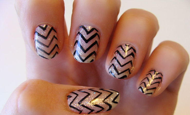 Zigzag Shaped French Tip Nail Design